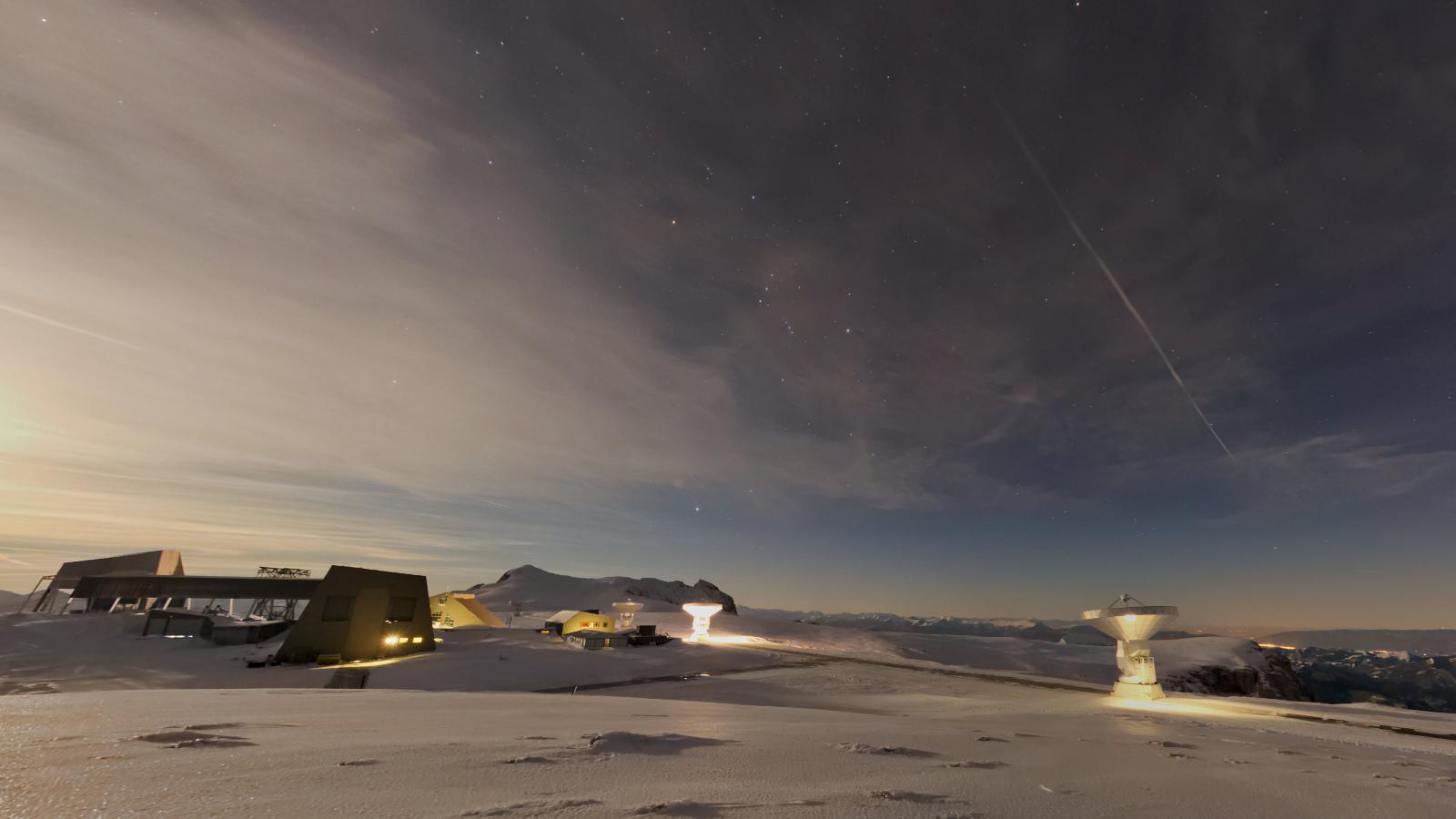 Pleine lune sur le plateau de Bure, Dévoluy